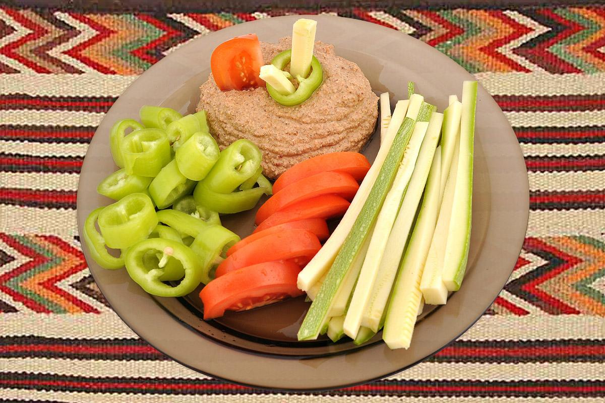 Зеленчуци със суров сос от накиснат ориз