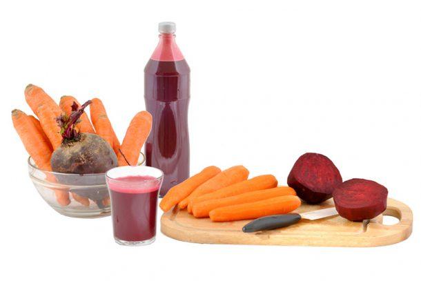 Какво ядат суровоядците? - Сок от моркови и червено цвекло.