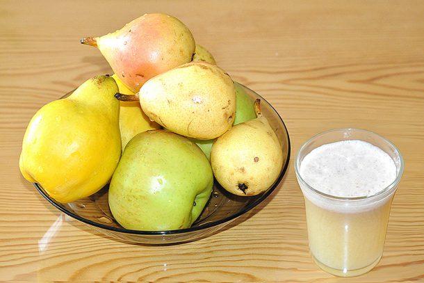 Какво ядат суровоядците? - Сок от ябълки, круши и дюли.