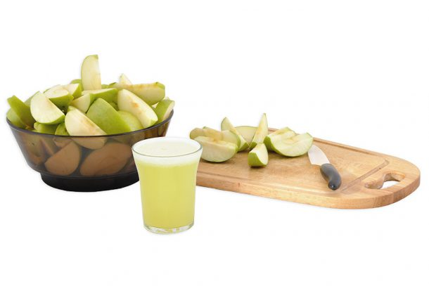 Какво ядат суровоядците? - Сок от зелени ябълки (понякога с джинджифил и лимон).