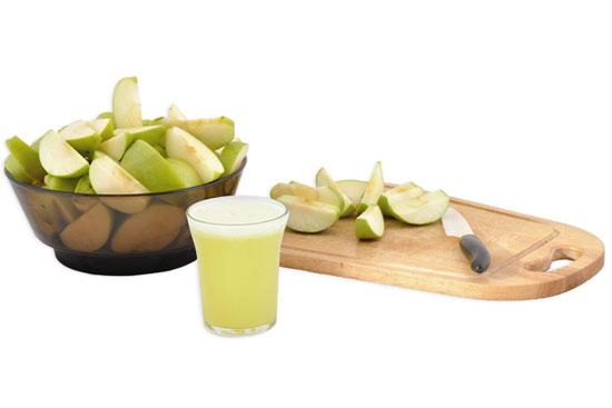 Сок от ябълки и лимон