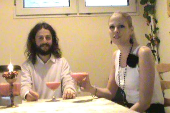 Шейк от ягоди, банани и сок от ябълки - Стефи Божилова и Калоян Гичев