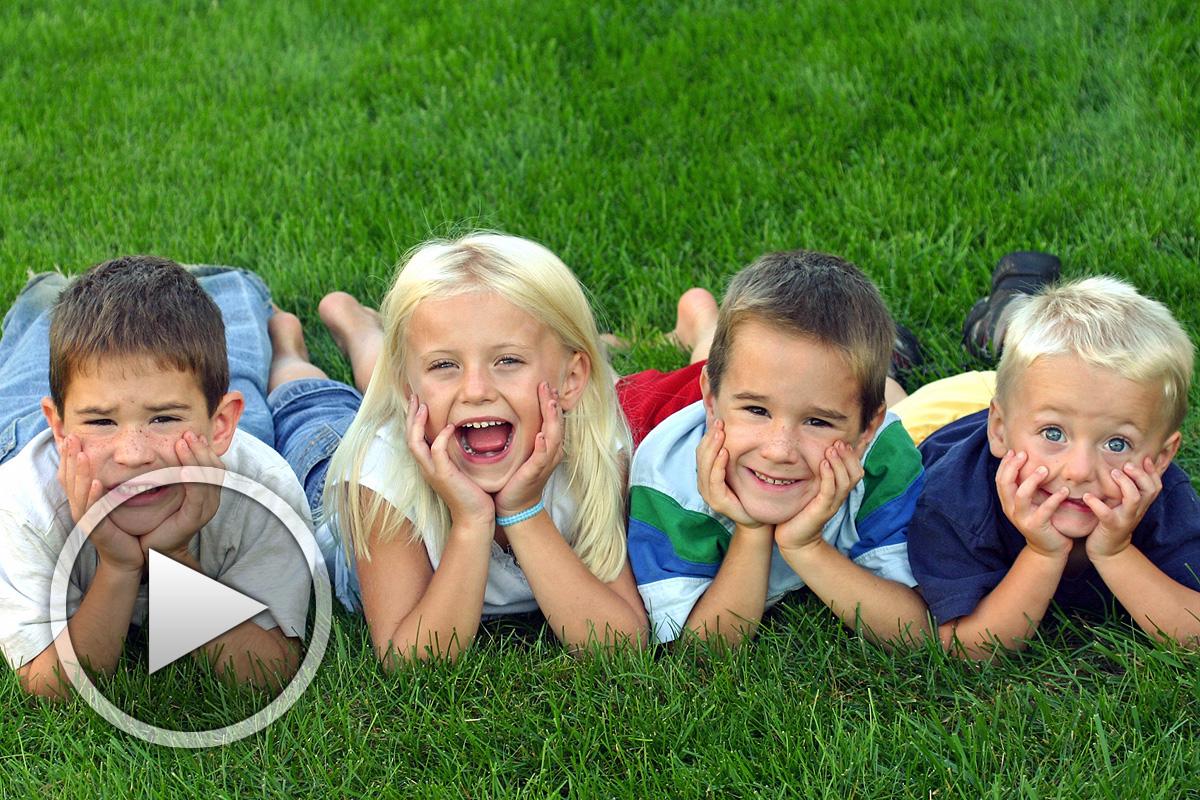 За децата по земята най е хубаво, когато има светлина