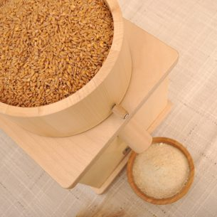 Домашна каменна мелница за зърно