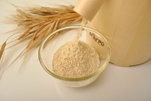 Приготвяне на домашно пълнозърнесто брашно от лимец