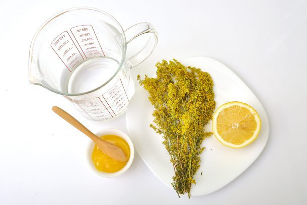 Лимонада с еньовче