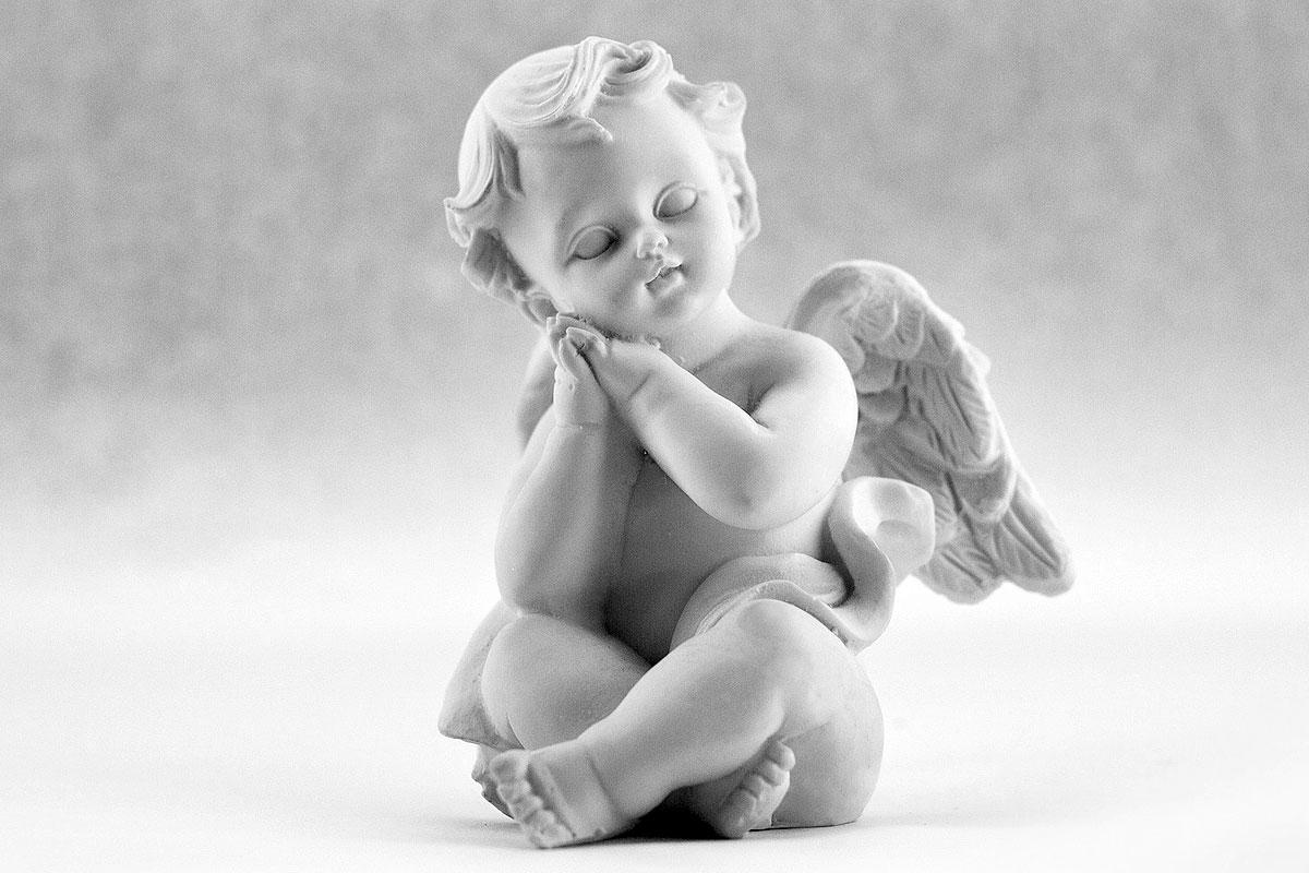 статуя на ангелче