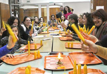 кръжок по правене на свещи от Аркобо свещарите