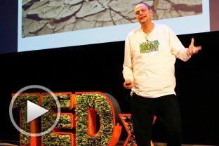 Стивън Риц: Един учител отглеждащ органични зеленчуци