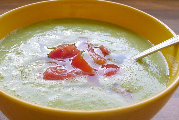 Сурова супа с авокадо