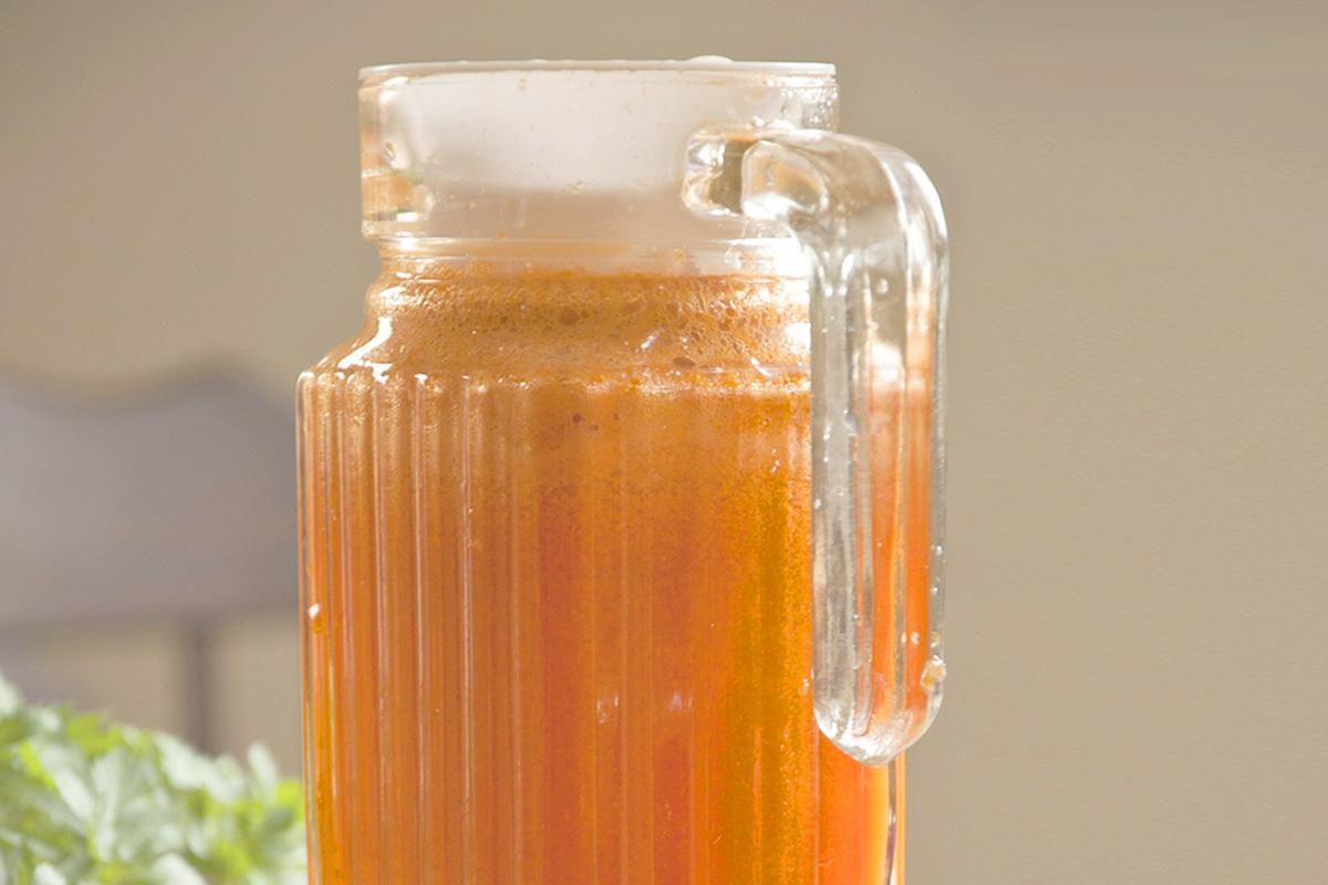 сок от моркови и ябълки