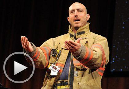 Марк Безос: Житейски урок от доброволец пожарникар