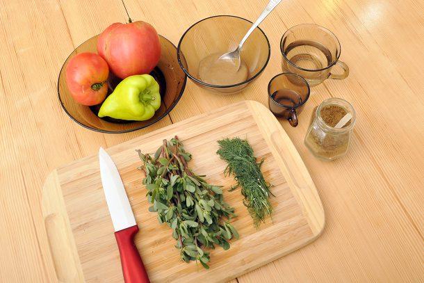Здравословна майонеза от сусамов тахан, оцет и копър