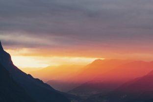 Божествената Любов и Мъдрост - от Емануел Сведенборг