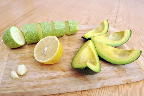 Вкусна майонез от тиквичка, авокадо и лимон