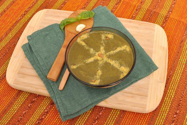 Рецепта за босилеково песто с Мими от Soma Vital Food