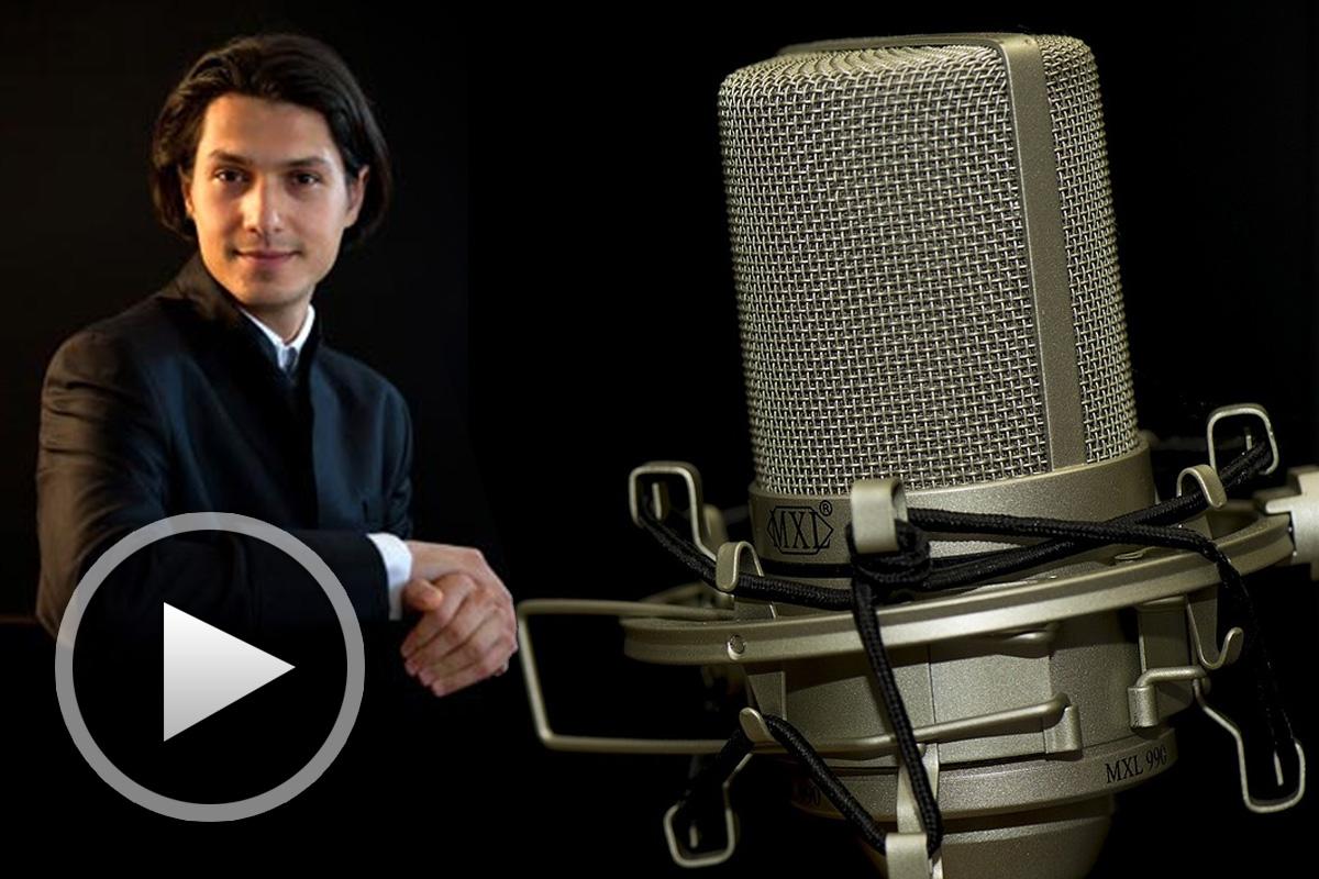 Йордан Камджалов в студиото на радио ФМ+