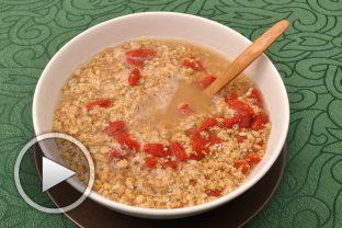 Зърнена закуска с лимец и годжи бери