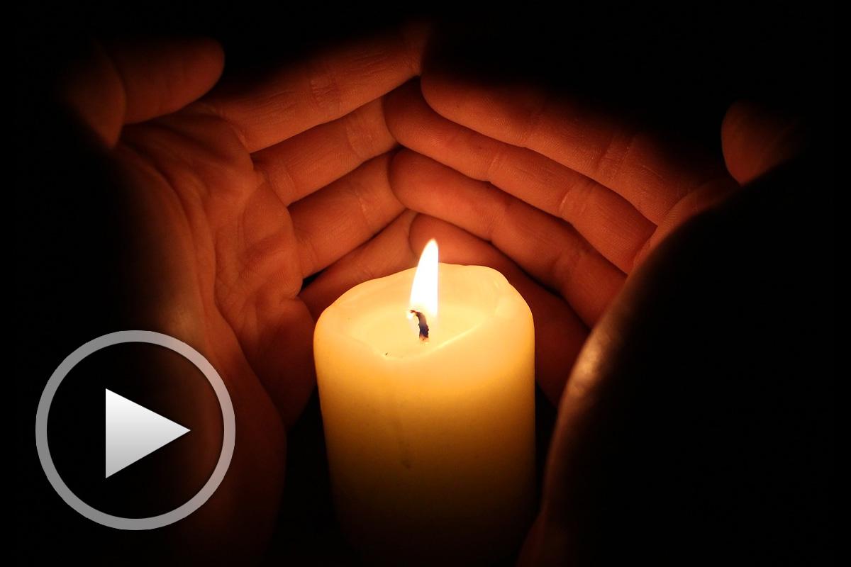 Посмотри как горит свеча (песен)
