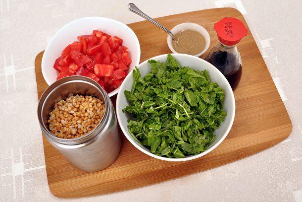 Видео рецепта за салата с лимец, рукола и домати