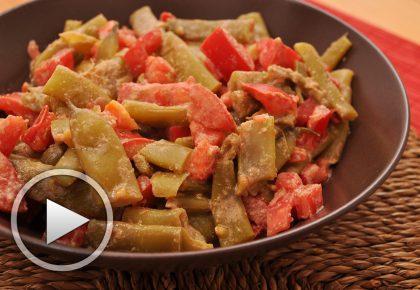 Рецепта със задушен на пара зелен боб с домати