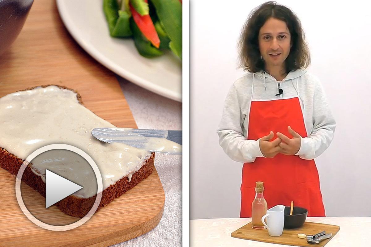 Рецепта за майонеза от слънчогледов тахан, ябълков оцет и вода